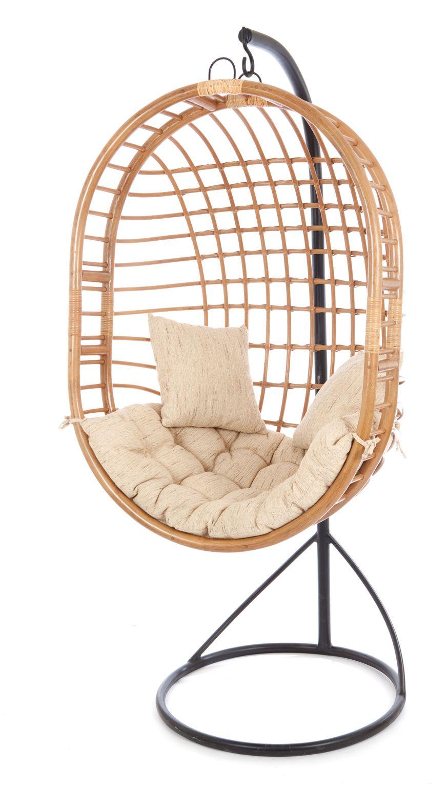 ... in onze collectie het betreft 2 heerlijke hangstoelen rotan hangstoel